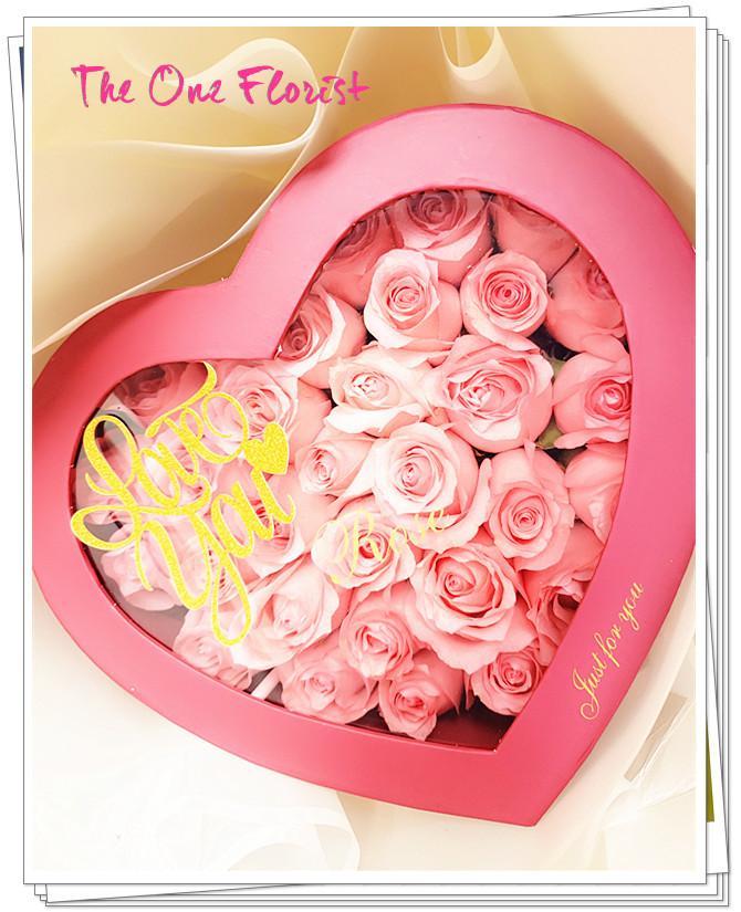 MDBox-A02 母親節玫瑰心形花盒 (約30-40枝玫瑰) $698 2天前預訂,一律免運費 (可自選玫瑰顏色) 歡迎查詢訂購:24890606 WhatsApp:63861616 www.facebook.com/theoneflorist